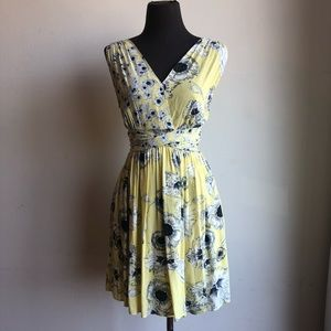 Zara sz XS floral flare summer dress